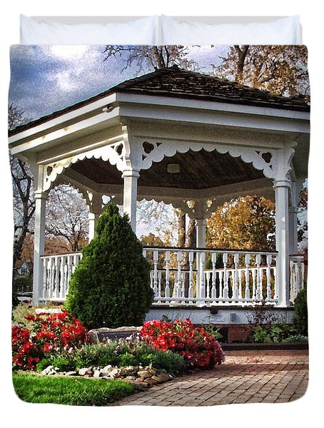 Duvet Cover featuring the photograph Gazebo At Olmsted Falls - 3 by Mark Madere