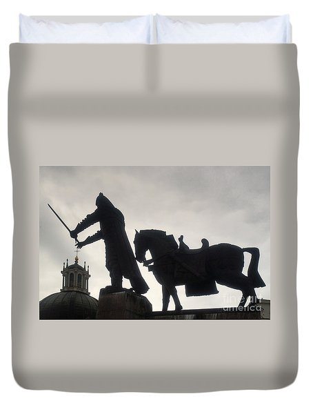 Gediminas Statue In Vilnius At Sunset Duvet Cover by Rudi Prott