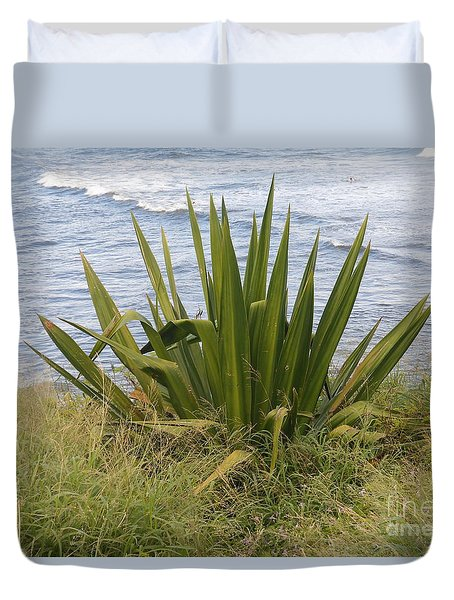 Gentle Surf Of Maui Duvet Cover by Fred Wilson