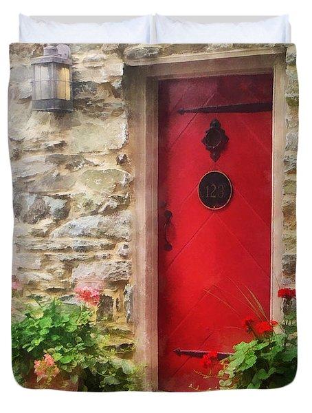 Geraniums By Red Door Duvet Cover by Susan Savad