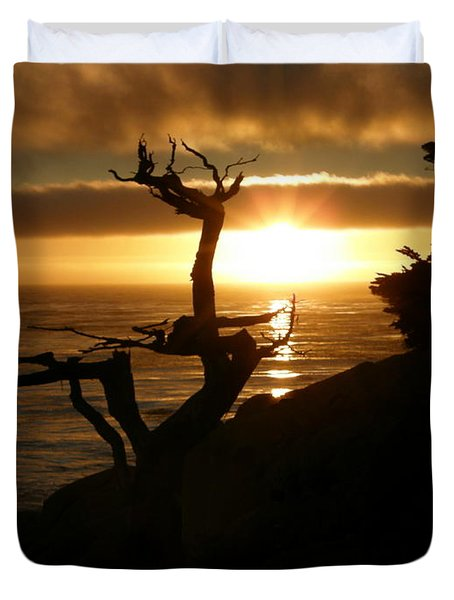 Ghost Tree At Sunset Duvet Cover