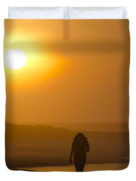 Girl On The Beach  Duvet Cover by Bill Cannon