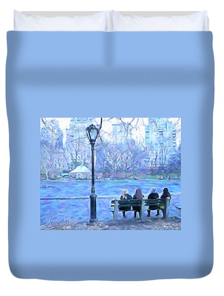 Girls At Pond In Central Park Duvet Cover