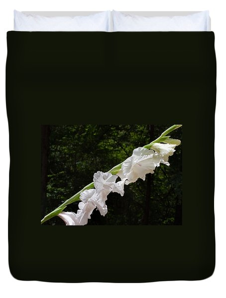 Duvet Cover featuring the photograph Gladiolas In The Rain by Farol Tomson