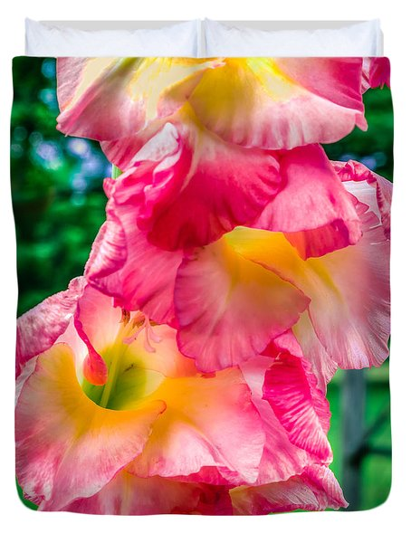 Duvet Cover featuring the photograph Gladiolus by Rob Sellers