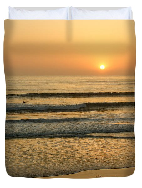 Golden California Sunset - Ocean Waves Sun And Surfers Duvet Cover