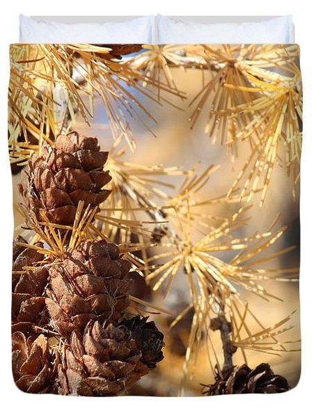 Duvet Cover featuring the photograph Golden Needles by Ann E Robson
