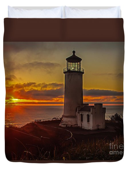 Golden Sunset At North Head Lighthouse Duvet Cover by Robert Bales