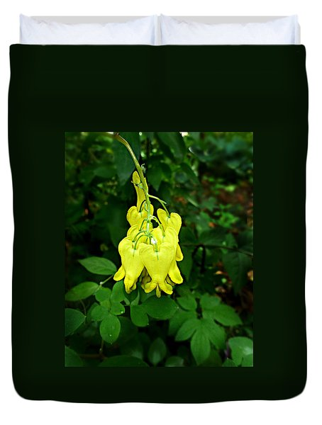 Duvet Cover featuring the photograph Golden Tears Vine by William Tanneberger