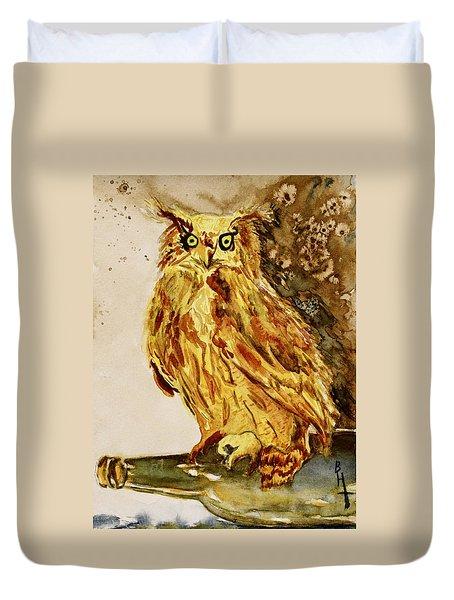 Goldene Bier Eule Duvet Cover by Beverley Harper Tinsley