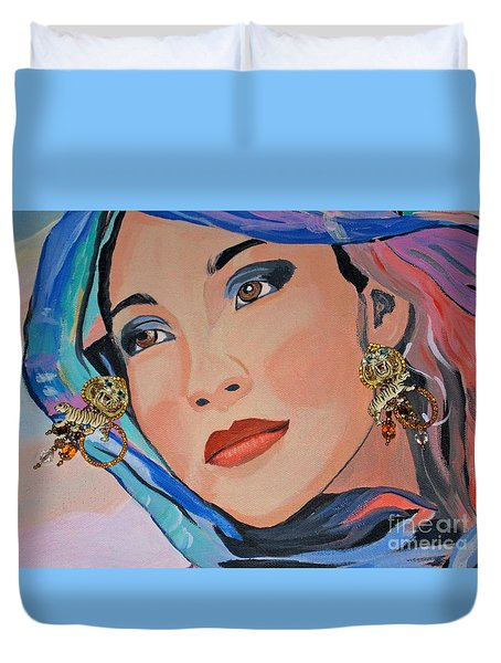 Gorgeous Lady With Beautiful Earrins Duvet Cover