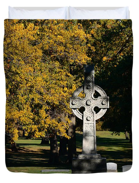 Graceland Cemetery Chicago - Tomb Of John W Root Duvet Cover by Christine Till