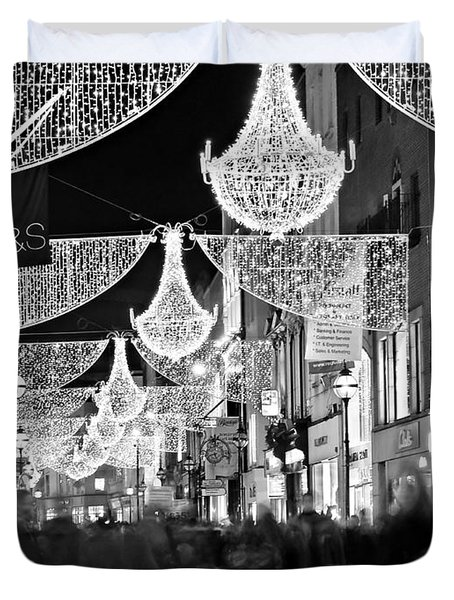 Duvet Cover featuring the photograph Grafton Street At Christmas / Dublin by Barry O Carroll