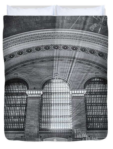 Grand Central Station Bw Duvet Cover by Susan Candelario