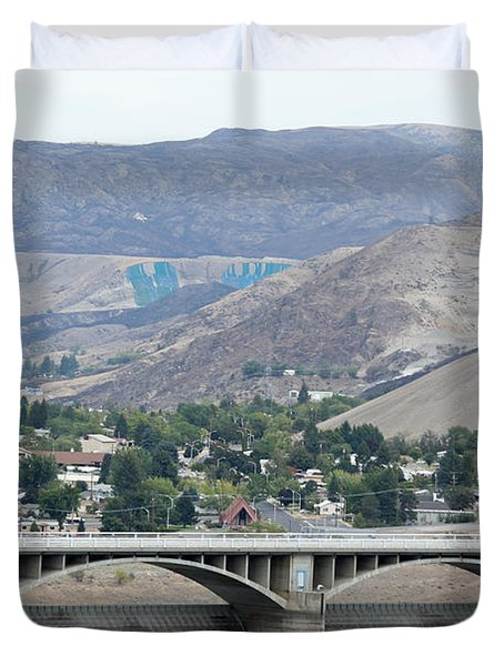 Duvet Cover featuring the photograph Grand Coulee Dam And Coulee City by E Faithe Lester