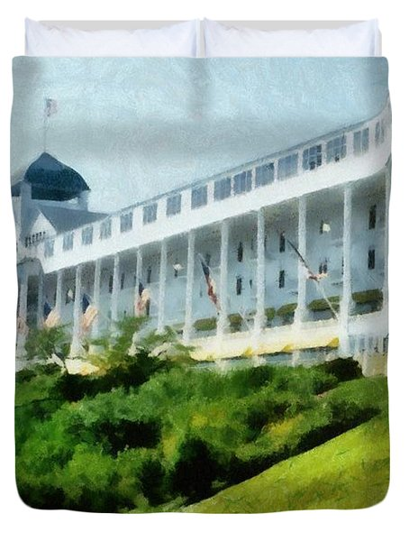 Grand Hotel Mackinac Island Ll Duvet Cover by Michelle Calkins