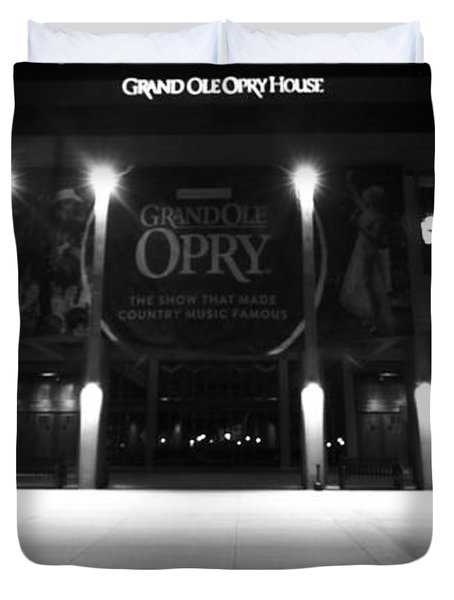 Grand Ole Opry At Night Duvet Cover by Dan Sproul