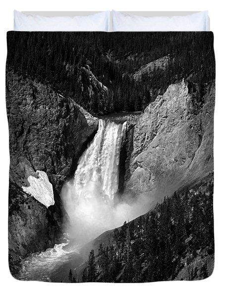 Duvet Cover featuring the photograph Grandeur by Lucinda Walter