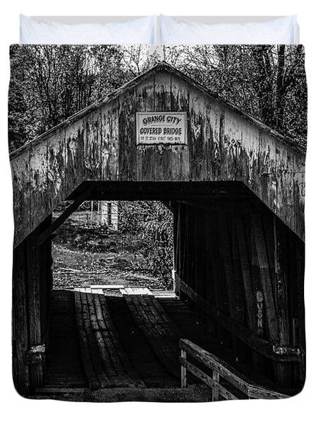 Grange City Covered Bridge - Bw Duvet Cover