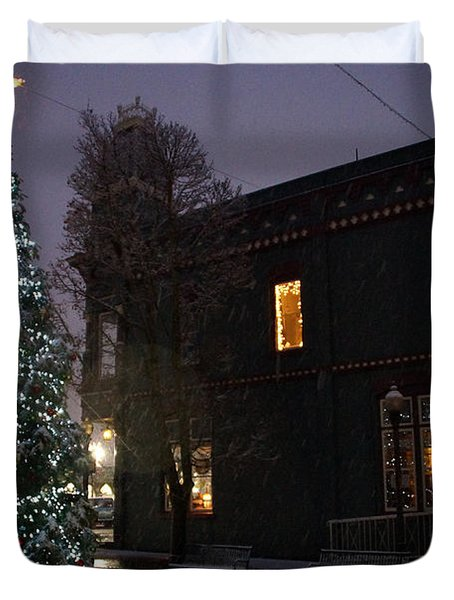 Grants Pass Town Center Christmas Tree Duvet Cover by Mick Anderson