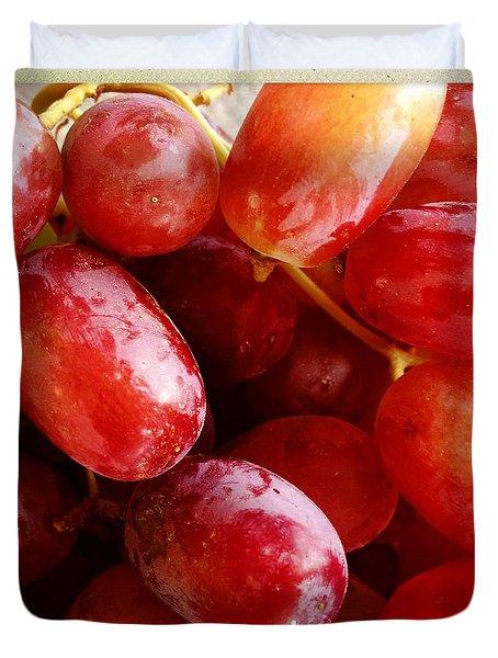 Grapes Duvet Cover by Les Cunliffe
