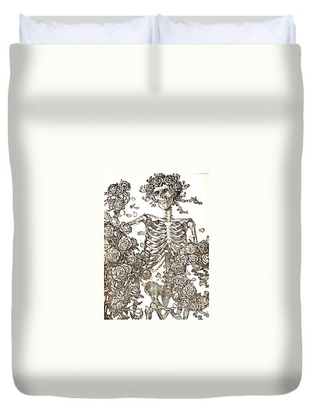 Duvet Cover featuring the photograph Gratefully Dead Skeleton by Kelly Awad