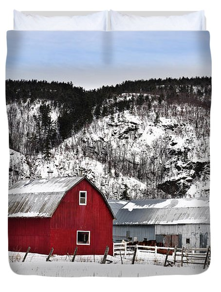 Great Canadian Red Barn In Winter Duvet Cover by Peter v Quenter