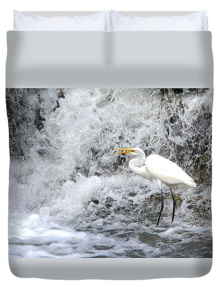 Great Egret Hunting At Waterfall Series 1 Duvet Cover