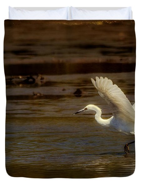 Great Egret Taking Off Duvet Cover