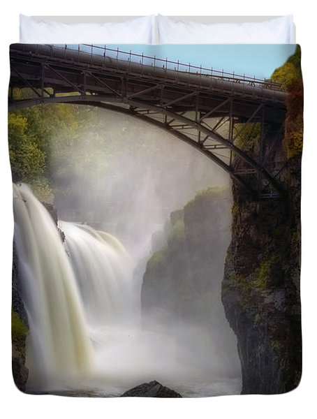 Duvet Cover featuring the photograph Great Falls Mist by Susan Candelario