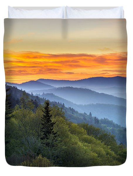Great Smoky Mountains National Park - Morning Haze At Oconaluftee Duvet Cover