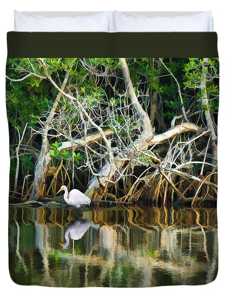 Great White Egret And Reflection In Swamp Mangroves Duvet Cover