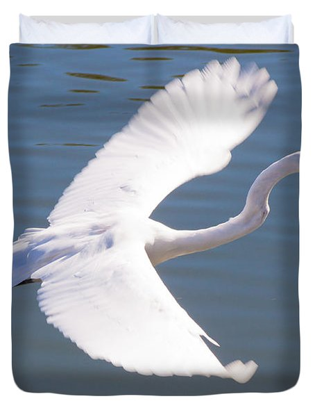 Greeat Egret Flying Duvet Cover by Thomas Marchessault