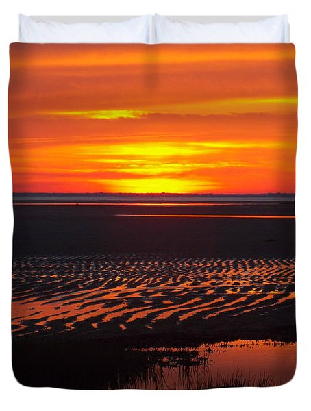 Duvet Cover featuring the photograph Greetings by Dianne Cowen