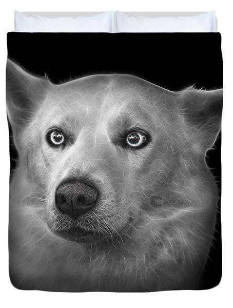 Greyscale Mila - Siberian Husky - 2103 - Bb Duvet Cover by James Ahn
