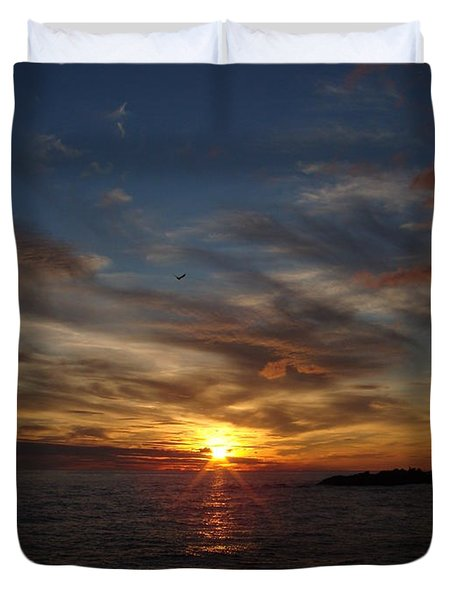 Duvet Cover featuring the photograph Gull Rise by Bonfire Photography
