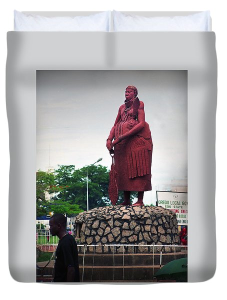 Edo Chief Statue Duvet Cover