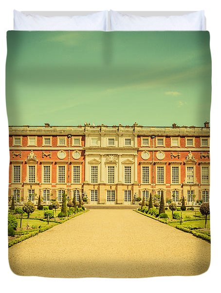 Hampton Court Palace Gardens As Seen From The Knot Garden Duvet Cover
