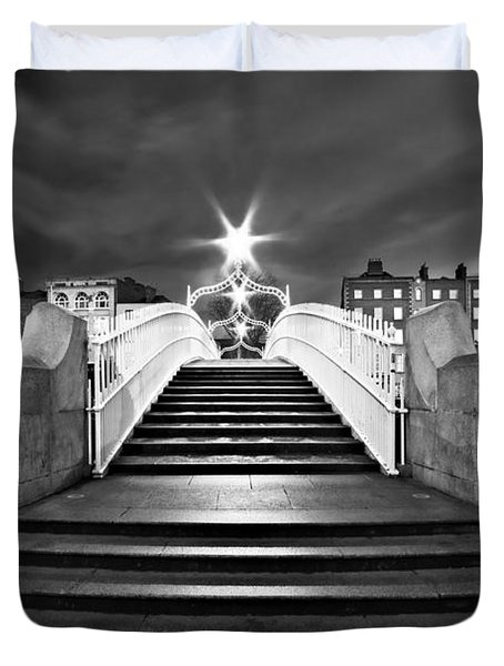 Duvet Cover featuring the photograph Ha'penny Bridge Steps At Night - Dublin - Black And White by Barry O Carroll