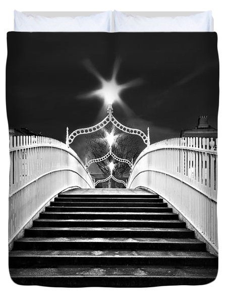 Duvet Cover featuring the photograph Ha'penny Bridge Steps - Dublin - Black And White by Barry O Carroll