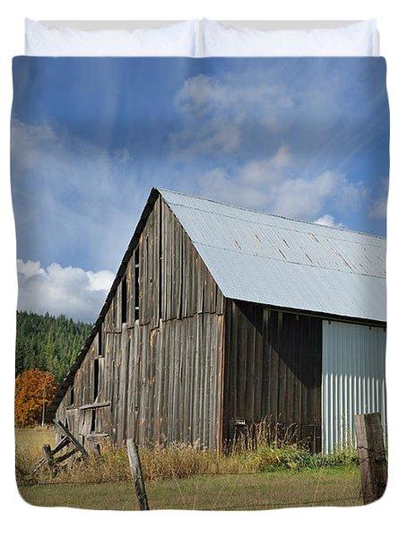 Hardy Creek Road Barn Duvet Cover