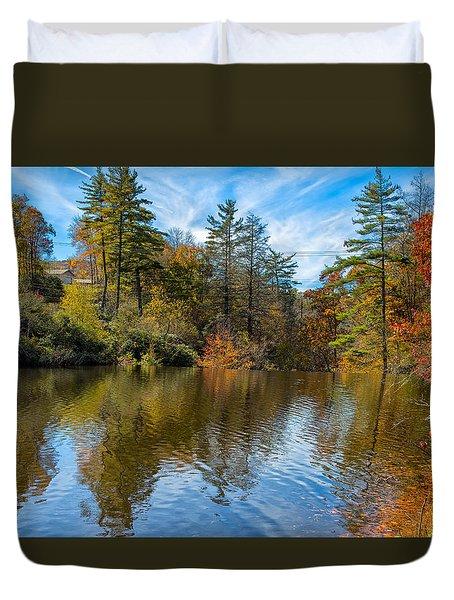 Harris Lake In Autumn Duvet Cover