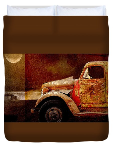 Duvet Cover featuring the photograph Harvest Moon by Holly Kempe