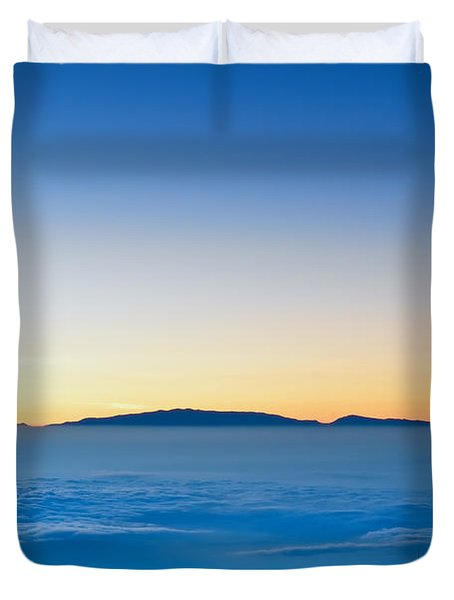 Duvet Cover featuring the photograph Hawaii Sunset by Jim Thompson