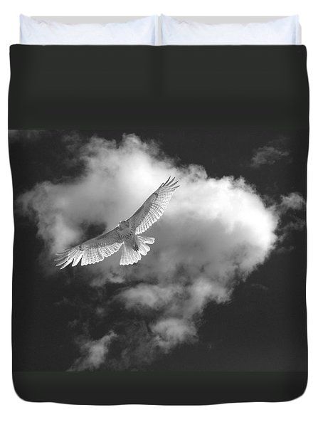 Hawk In Flight - Bw Duvet Cover