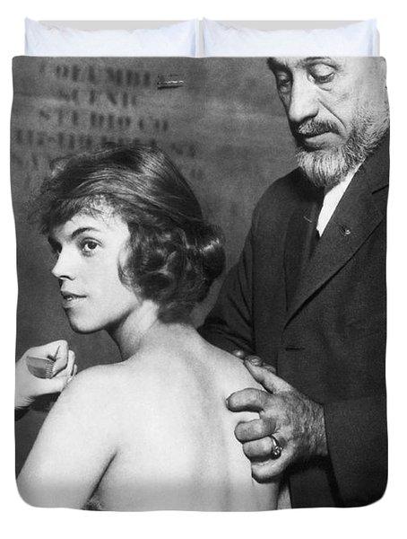 Healing For Ziegfeld Dancer Duvet Cover