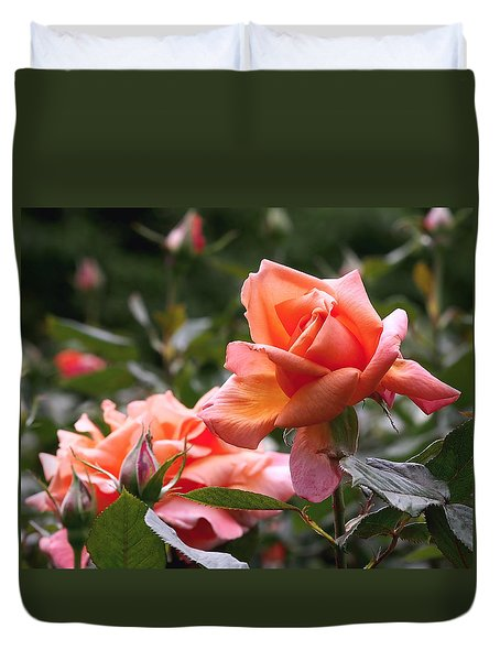 Heart Of Gold Roses Duvet Cover by Rona Black