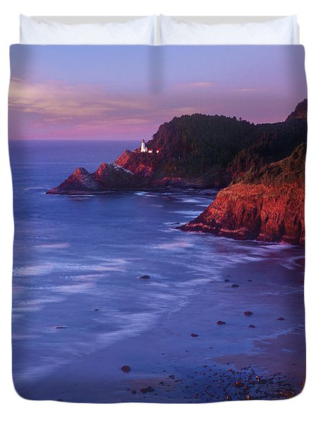 Duvet Cover featuring the photograph Heceta Head Lighthouse At Sunset Oregon Coast by Dave Welling