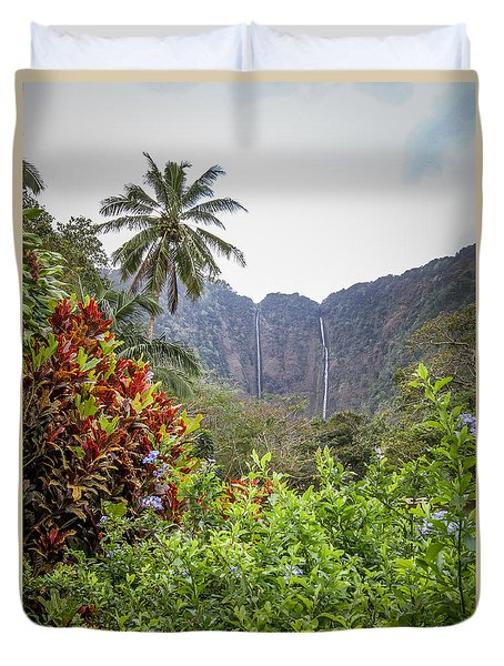 Hiilawe And Hakalaoa Falls Duvet Cover