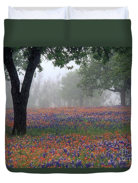 Hill Country - Fs000912 Duvet Cover by Daniel Dempster